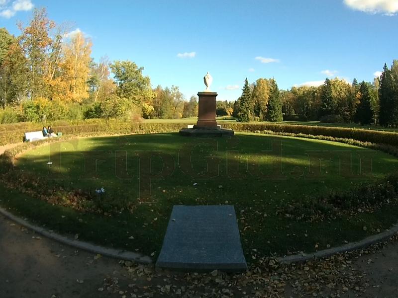 Мемориал памяти жертв Революции, Павловский парк, Павловск